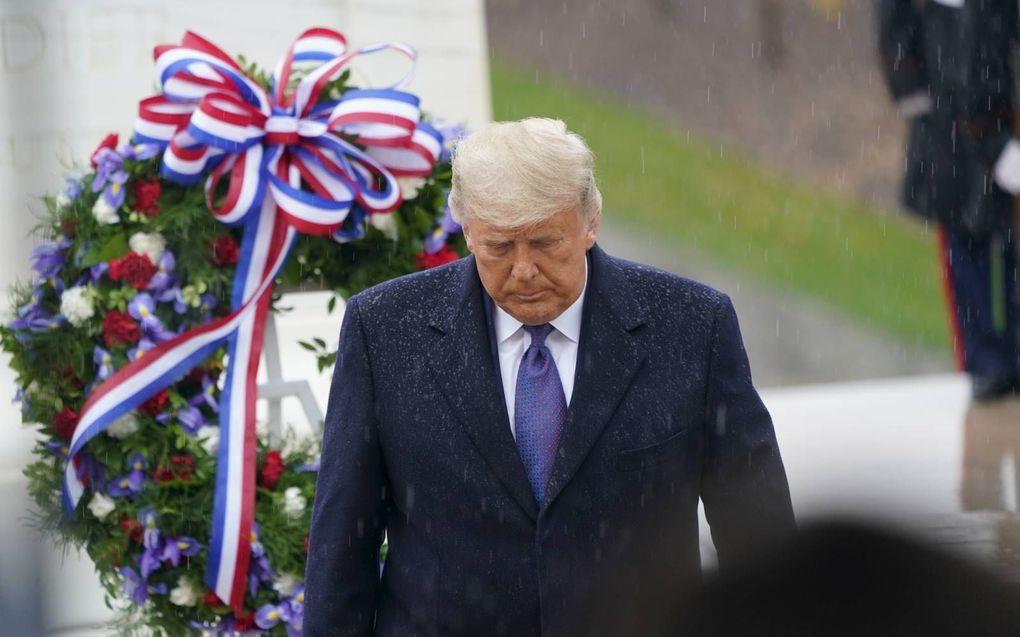 President Trump (foto) en verkozen president Biden woonden woensdag afzonderlijk evenementen op veteranendag bij. beeld EPA, Chris Kleponis