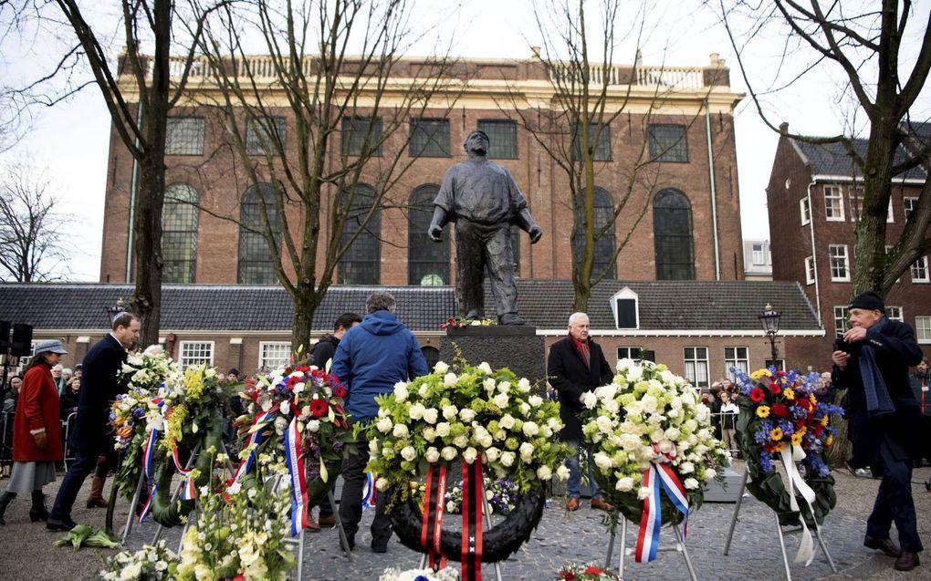 """""""De Februaristaking van 1941 was het enige massale en openlijke protest tegen de Jodenvervolging in bezet Europa."""" Foto: bij de Dokwerker in Amsterdam vond op 25 februari de 79e herdenking hiervan plaats. beeld ANP, Olaf Kraak"""