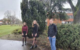 Van links naar rechts: Louise, Lidewey en Thomas. De drie zitten nog op school en startten een eigen onderneming in coronatijd. beeld RD