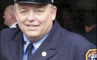 Raymond Pfeiffer voelde zich jarenlang schuldig omdat niet hij, maar een collega brandweerman na een dienstruil om het leven kwam.beeld Firehero