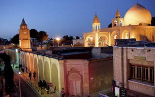 Een Armeens-Apostolische kathedraal in Isfahan, Iran. De traditionele en erkende kerken staan niet bepaald bekend om hun harde groei. Ongeregistreerde, illegale huisgemeenten schieten echter als paddenstoelen uit de grond.beeld AFP, Behrouz Mehri