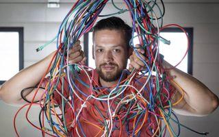 Yannick Verhoeven is een ethische hacker. Hij test in opdracht digitale systemen op hun kwetsbaarheid voor kwaadwillende hackers.beeld Niek Stam