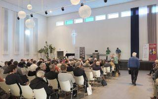 """Logos Instituut uit De Bilt organiseert vrijdag en zaterdag het tweedaagse congres """"Geloof is de sleutel tot kennis"""" in kerkgebouw De Bron van de gereformeerde kerken vrijgemaakt te Hardinxveld-Giessendam.beeld Sjaak Verboom"""