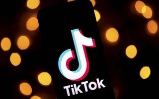 """""""Opvallend is dat vooral tieners TikTok gebruiken. Onder kinderen jonger dan 12 jaar is zelfs het aantal gebruikers van de app het grootst."""" beeld AFP, Lionel Bonaventure"""