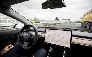 Auto's met elektronische hulpmiddelen zoals adaptieve cruise control, parkeer- en lanekeepingassistenten rijden al volop rond. De doorbraak zit vast op niveau 3. beeld ANP