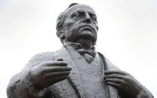 Standbeeld van Abraham Kuyper in Maassluis.beeld RD, Anton Dommerholt