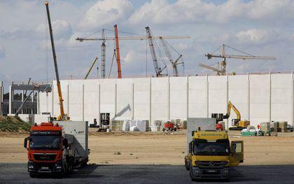 Gigafactory, een accufabriek van Tesla, in aanbouw bij Berlijn. beeld AFP