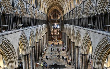 Tijdelijk vaccinatiecentrum in de kathedraal van Salisbury, in het zuidwesten van Engeland.beeld AFP, Justin Tallis