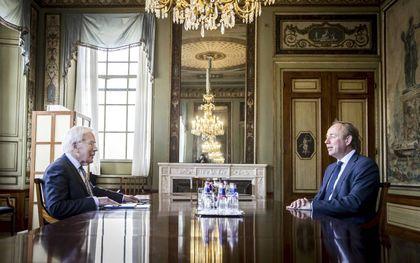Informateur Tjeenk Willink ontvangt SGP-fractievoorzitter Van der Staaij. beeld ANP, Remko de Waal
