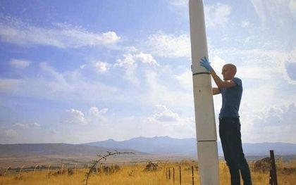 De Skybrator was afgelopen week uitgebreid in het nieuws. Energie-experts nomineerden de windmolen voor een trofee voor nepoplossingen.beeld Vortex Bladeless