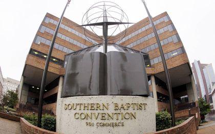 Veel Amerikaanse baptisten reizen dezer dagen naar Nashville. Het hoofdkantoor van de Zuidelijke Baptisten in het Amerikaanse Nashville.beeld AP, Mark Humphrey