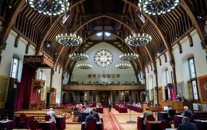 De Eerste Kamer debatteert over het burgerschapsonderwijs. Dat gebeurt vanwege het coronavirus in de Ridderzaal.beeld ANP, Bart Maat