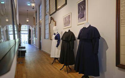 """De tentoonstelling """"Zorg!"""" in het Luthermuseum in Amsterdam.beeld Sjaak Verboom"""
