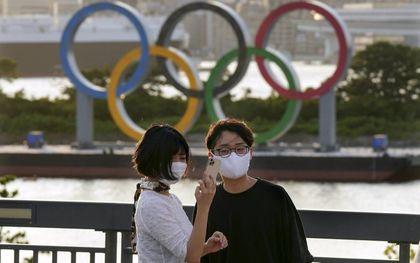 De Japanse bevolking is bepaald niet enthousiast voor de Olympische Spelen die vrijdag in Tokio officieel van start zijn gegaan.beeld EPA, Kimimasa Mayama