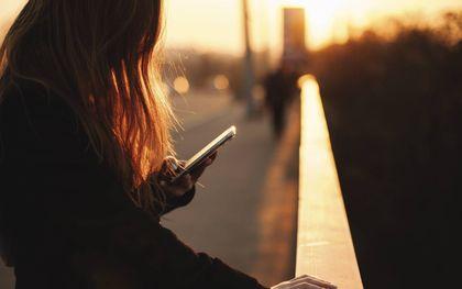 Kinderen en tieners worden door mensenhandelaren vaak 'het hof gemaakt' op sociale-mediaplatforms.beeld iStock