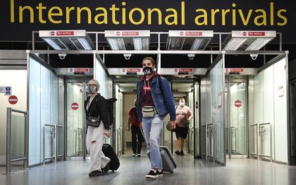 De grenzen van het Verenigd Koninkrijk zijn sinds maandag weer open voor Europese en Amerikaanse burgers die volledig zijn gevaccineerd. beeld EPA, Andy Rain