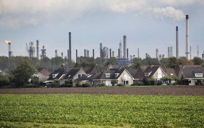 """""""Ook voor 'uitstoters' in de industrie geldt dat zij een vergunning moeten hebben.""""beeld ANP, Arie Kievit"""