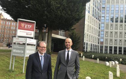 Prof. dr. Andreas Beck (l.) en prof. dr. Jos de Kock. beeld RD