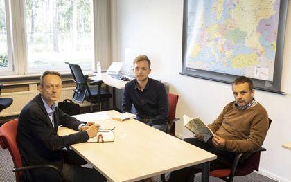De redactie van CNE.news. V.l.n.r.: Evert van Vlastuin, Lennart Nijenhuis en Dick Tromp.beeld RD, Anton Dommerholt
