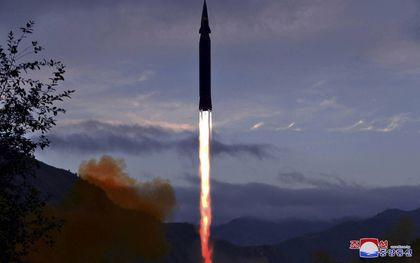 China ontwikkelt een raket met een hypersonisch zweeftoestel die vanuit de ruimte overal ter wereld een –nucleaire– aanval kan uitvoeren. De angst is dat ook Noord-Korea (foto) werkt aan deze techniek. beeld AFP