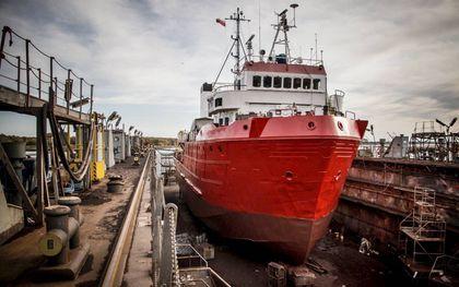 Het toekomstige reddingsschip Sea-Eye 4 in de haven van de Duitse stad Rostock.beeld EPD, Katarzyna Gmitrzak/Sea-Eye