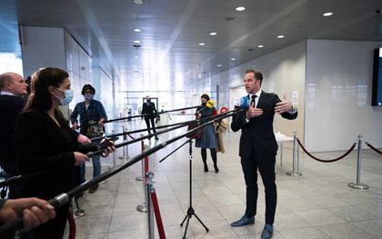 """Van Zelst:  """"De druk in de eerstelijns- en tweedelijnszorg is zo gigantisch hoog. De overheid kan zich nu geen fouten veroorloven."""" Foto: minister De Jonge. beeld ANP, Jeroen Jumelet"""