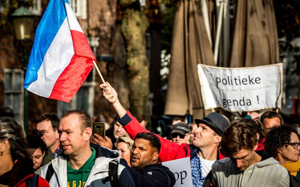Deelnemers aan de Demonstratie voor de Vrijheid in het centrum van Amersfoort. beeld ANP, Remko de Waal