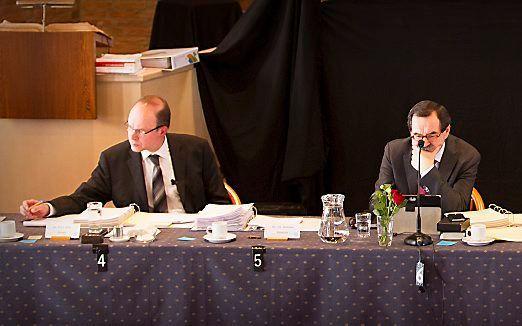 Ds. P. D. J. Buijs (links), met daarnaast ds. J. G. Schenau. beeld RD, Henk Visscher
