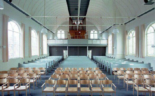 Interieur van de voortgezette gereformeerde kerk in Boornbergum. beeld vgkn Boornbergum
