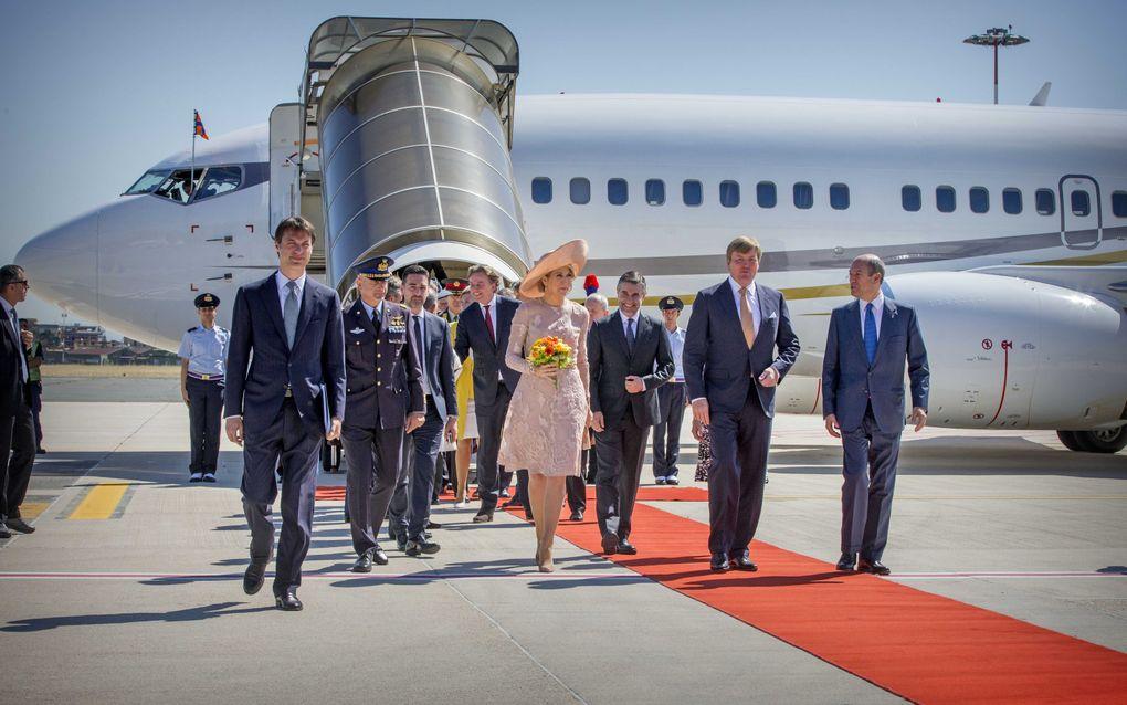 Koning Willem-Alexander en Koningin Máxima arriveren op de luchthaven Ciampino voor het vierdaagse staatsbezoek aan Italië en Vaticaanstad. beeld ANP