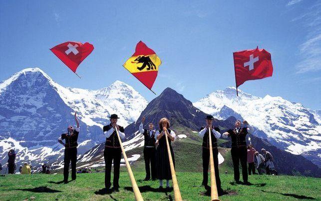 De Männlichen in Zwitserland –2343 meter boven zeeniveau– is een uitgelezen plek voor alpenhoornblazers. Foto Zwitserland Toerisme