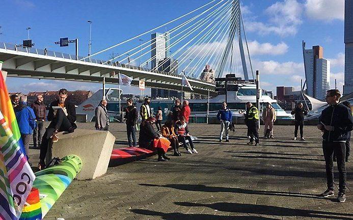 De schrijfactie in Rotterdam. beeld Leon Houtzager