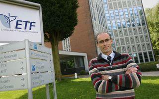Missioloog dr. Evert W. van de Poll. Foto RD