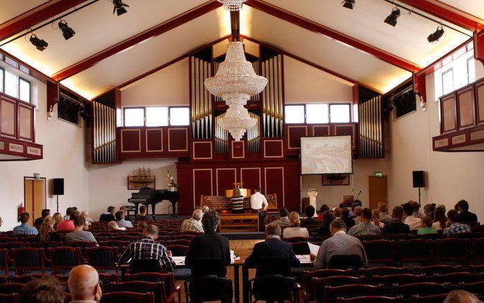De concertzaal bij Johannus Orgelbouw in Ede tijdens een eerdere editie van het concours. beeld RD