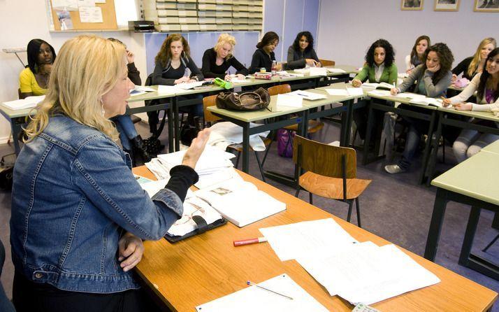ZWOLLE – Leraren kunnen allerlei regeltjes bedenken waaraan leerlingen moeten gehoorzamen, maar het eind daarvan is zoek. Foto ANP