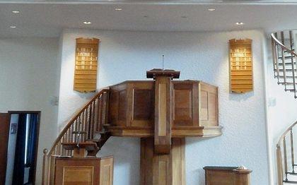 Kansel in het kerkgebouw van de oud gereformeerde gemeente in Nederland te Krimpen aan de IJssel. beeld RD
