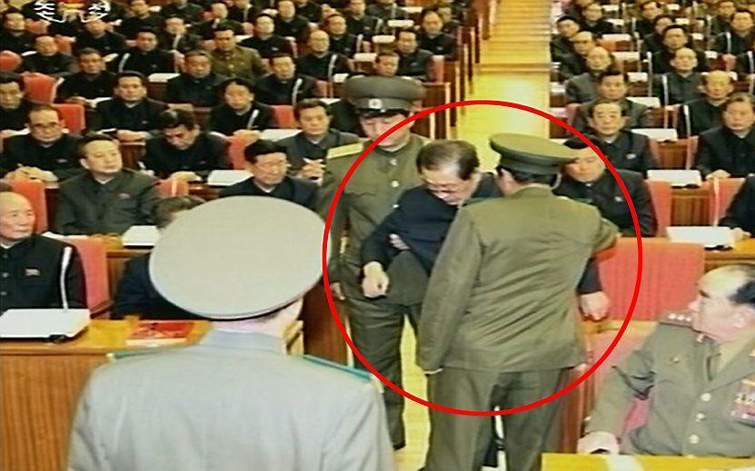 Arrestatie van Jang Song Thaek. Foto EPA