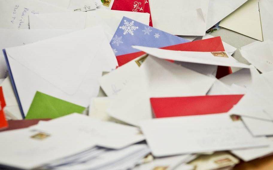 De traditie om kaarten te sturen met Nieuwjaar kwam overgewaaid uit Groot-Brittannië.beeld ANP, Valerie Kuypers
