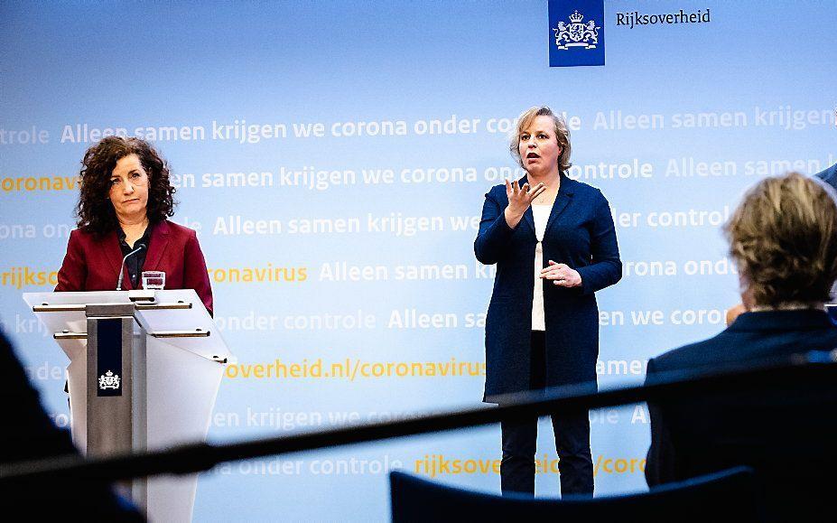 De ministers Slob en Van Engelshoven (Onderwijs) tijdens de presentatie van het Nationaal Programma Onderwijs. beeld ANP, Sem van der Wal